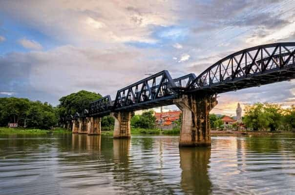 สะพานข้ามแม่น้ำแคว-ที่พักกาญจนบุรีริมน้ำ-iTravel