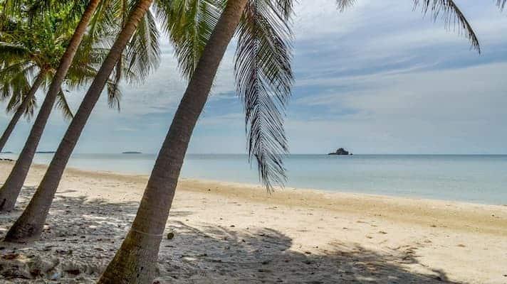 หาดแหลมแม่พิมพ์-ที่พักระยองติดทะเลปิ้งย่างได้-itravel