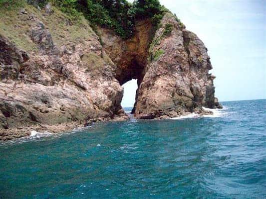 เกาะทะลุ-บ้านพักติดทะเลระยอง-itravel