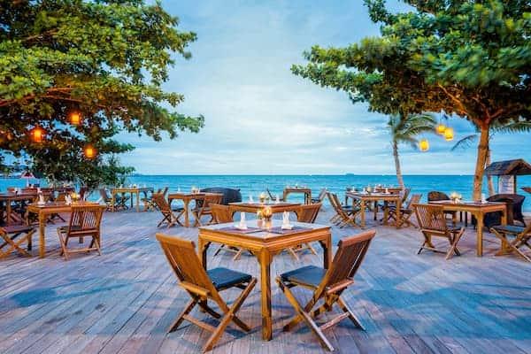 โรงแรม ฎ-ชฎา รีสอร์ท บาย เดอะ ซี รีสอร์ท-ที่พักชลบุรีติดทะเลมีสระว่ายน้ำ-itravel