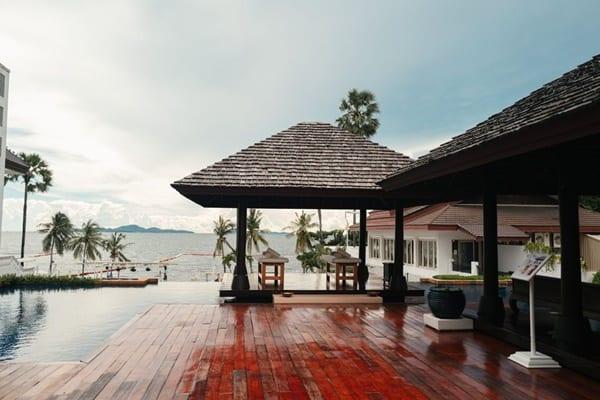 โรงแรมพูลแมน พัทยา จี-ที่พักบุฟเฟ่ต์อาหารทะเลชลบุรี-itravel