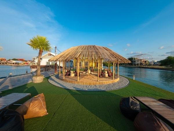 บ้านต๊ะ ออน เดอะ ซี-ที่พักชลบุรีติดทะเลปิ้งย่างได้-itravel